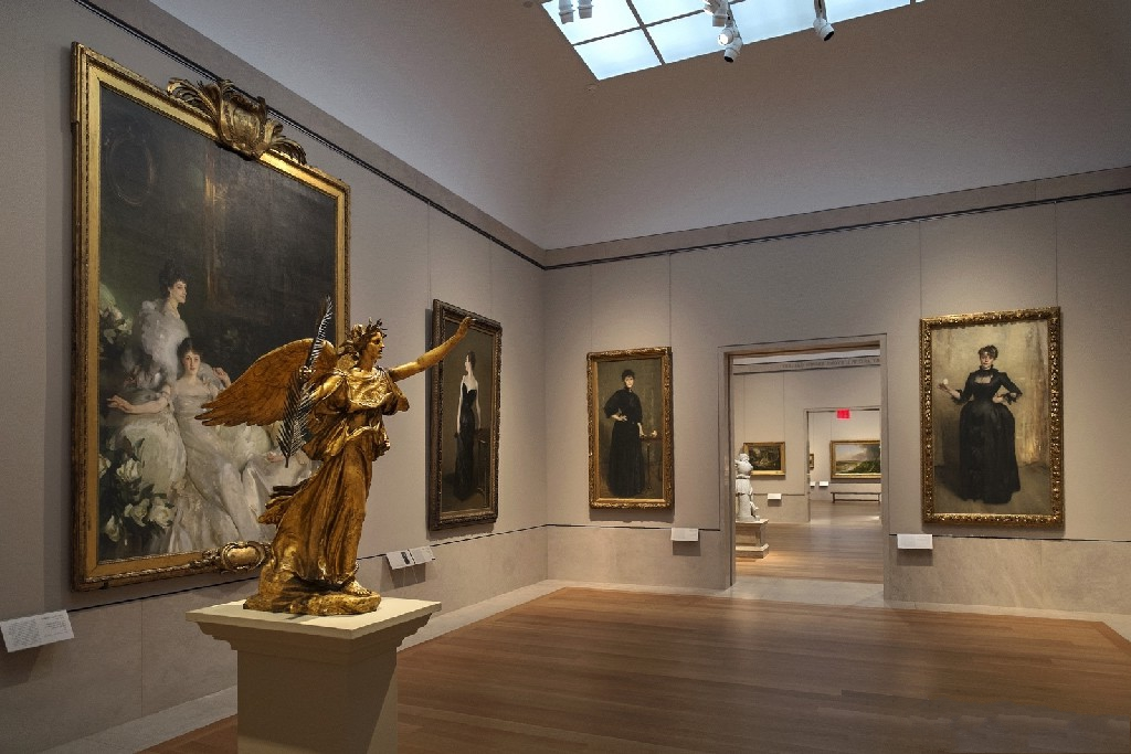 an overview of the metropolitan museum of art or the met Buy tickets exhibitions are free with museum admission showcasing the influence of religious art on innovative fashions, this two-volume set explores the role of spirituality in contemporary culture the costume institute's spring 2018 exhibition—at the met fifth avenue and the met cloisters.