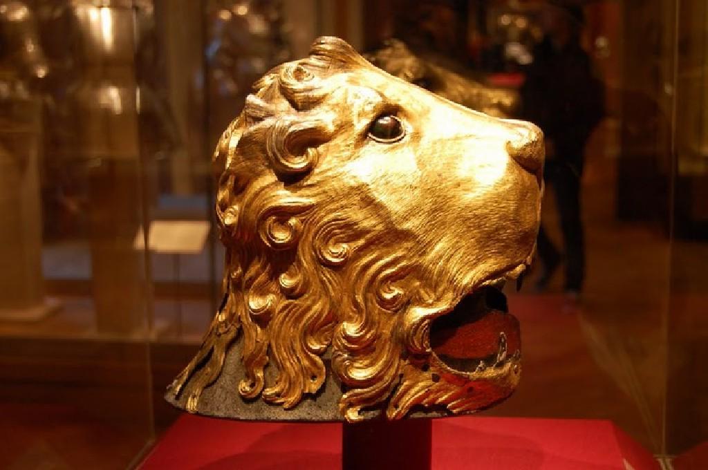 коллекция шедевров декоративно - прикладного искусства