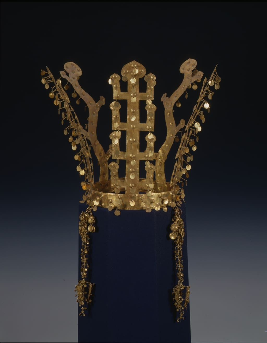Silla gold crown